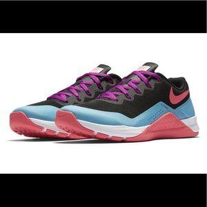 Nike Flywire MetCon training shoe, 10, like new!